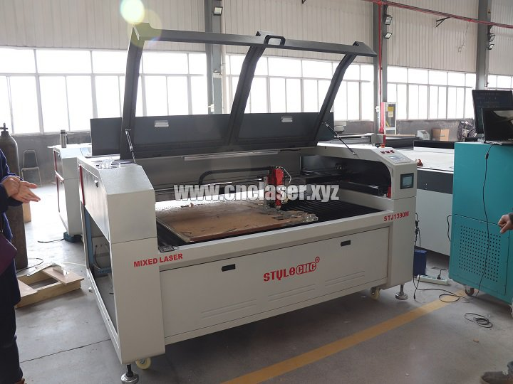 CO2 laser acrylic cutting machine for cutting 20mm thick