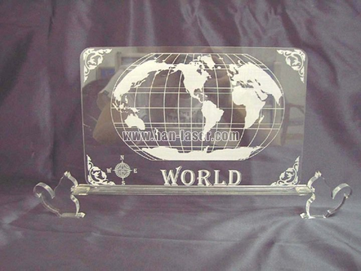 Laser engraving and cutting machine in craft gift industry
