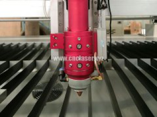 How to clean laser cutting machine?