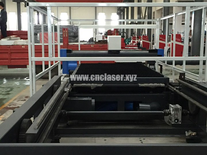 Advanced Exhaust System of High power laser cutting machine for metal with IPG fiber lasers