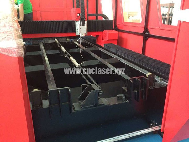 Inner details of High power laser cutting machine for metal with IPG fiber lasers