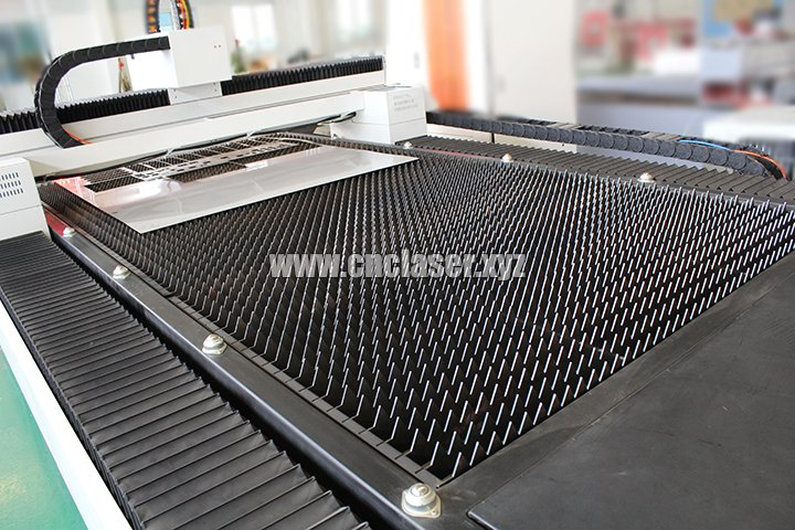 Cutting table for stainless steel laser cutting machine