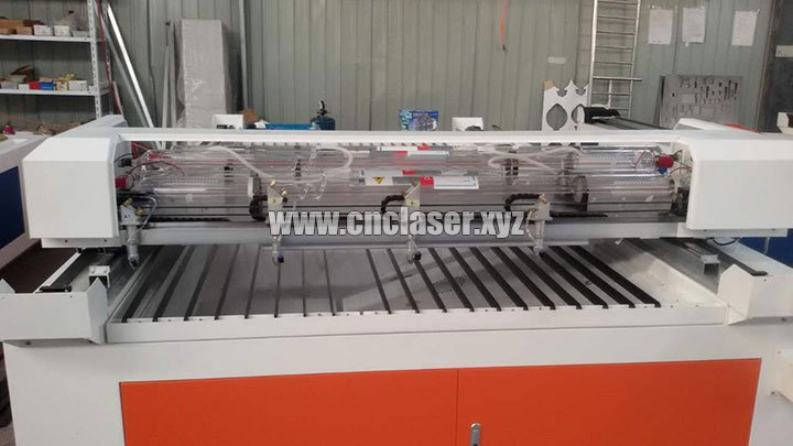 4 Heads Laser Cutting Machine