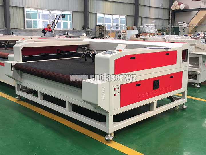 CO2 Laser Cutter for Cutting Cloth Patch