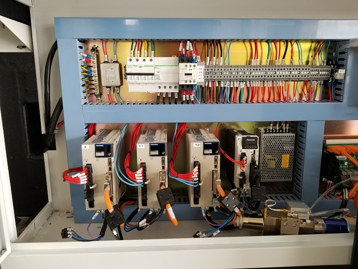 The control box of fiber laser cutting machinery