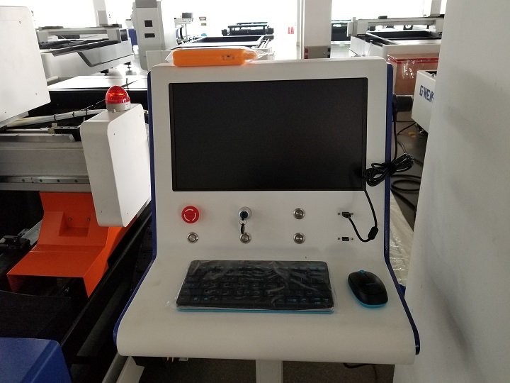 the control panel of fiber laser cutting machinery